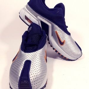 NIKE A BOHEMIAN RUNNING BOY'S SHOES